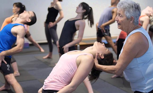 nicky-knoff-ashtanga-yoga-teacher