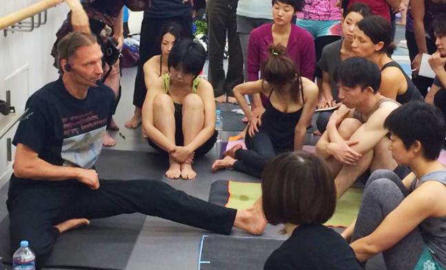 Gregor-Maehle-Ashtanga-Yoga-Teacher-Tokyo-Workshop